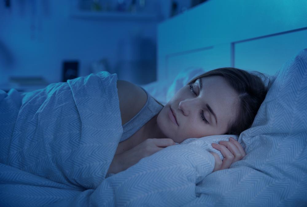 ふたえ幅を広げる方法!夜は二重の癖付けに最適。おすすめの商品や方法は?